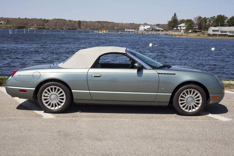 2004 ford thunderbird for sale motorland. Black Bedroom Furniture Sets. Home Design Ideas