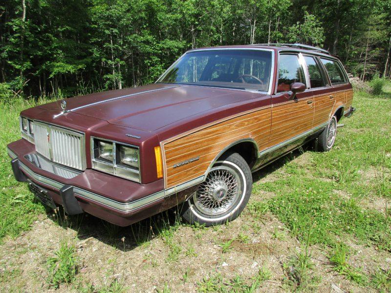 pontiac bonneville wagon sold maine motorland llc. Black Bedroom Furniture Sets. Home Design Ideas